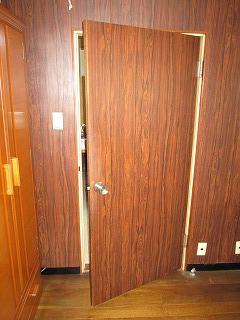 片開き戸1